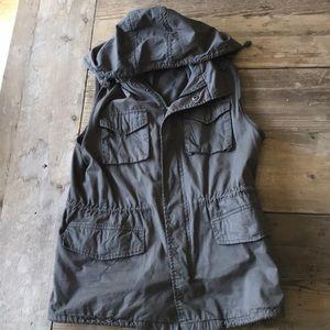 Olive green hooded utility vest size large